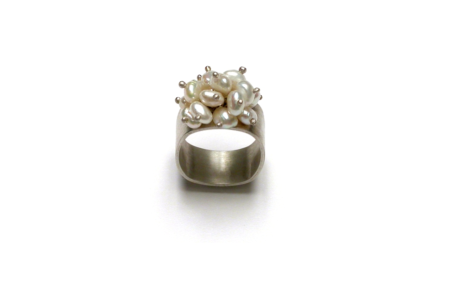 freshwater pearl cluster ring   $180.00   item 03-084
