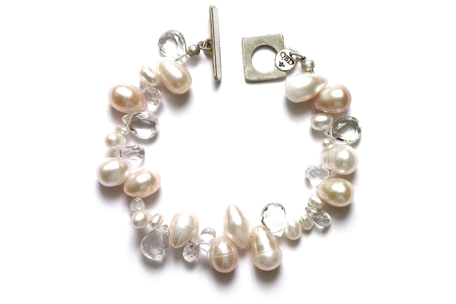rock crystal & freshwater pearl mixed bracelet   $250.00   item 05-101